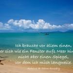 Strand von Koh Samui, Thailand mit dem Saint-Exupéry Zitat: Ich brauche vor allem einen, der sich wie ein Fenster aufs Meer hin öffnet, nicht aber einen Spiegel, vor dem ich mich langweile. Antoine de Saint-Exupéry