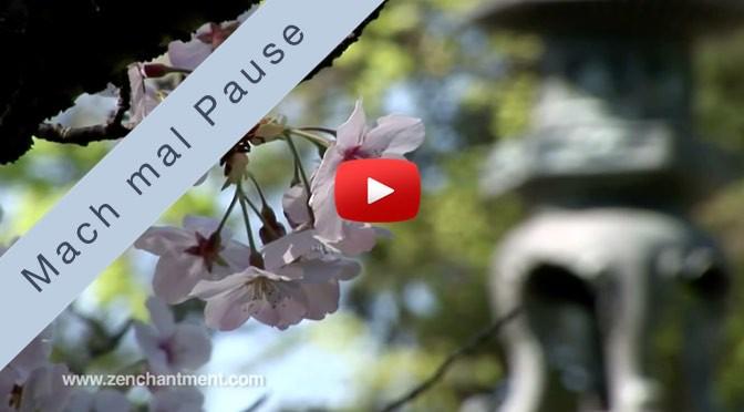 Mach mal Pause <br>mit Kirschblüten im Zen-Garten