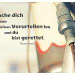 Bremse eines alten Fahrrades mit dem Aurel Zitat: Mache dich von deinen Vorurteilen los, und du bist gerettet. Marc Aurel